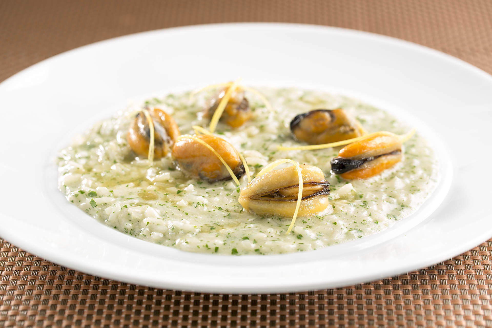 Risotto-Cozze-e-Limone_risotto_Salt-Spring-Mussels_and_lemon-zest_009-1920×1280